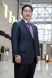 日本初・日本一のキャリアコンサルタントに選出された弊社代表、渡辺